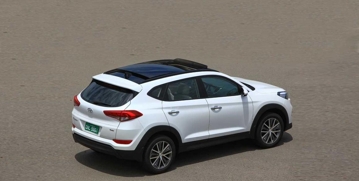 Hyundai-Tucson.-cima