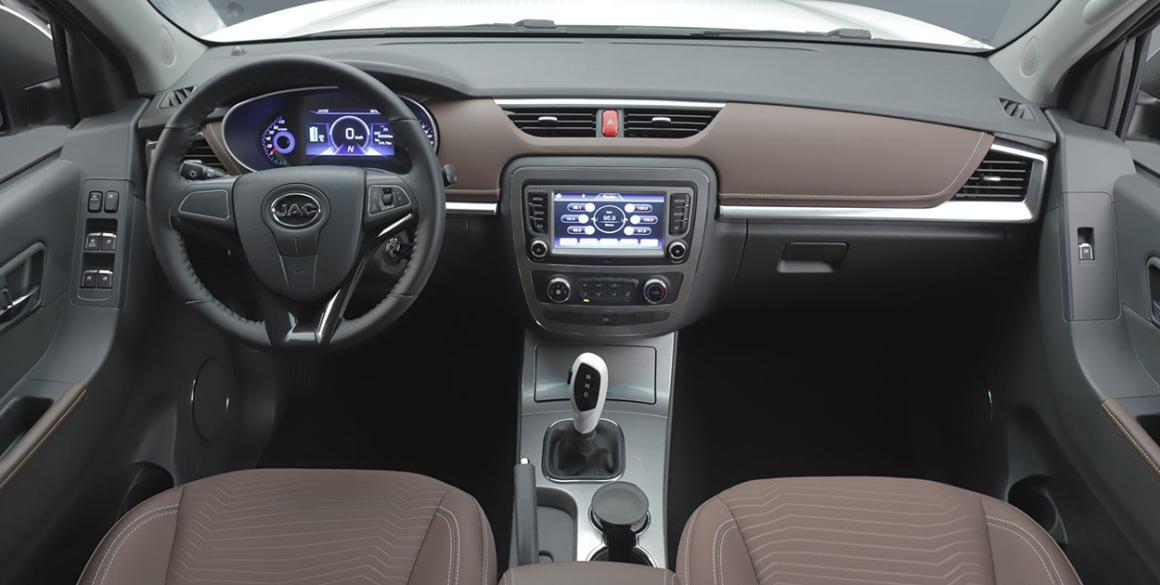 JAC-ieV330-P-interior21