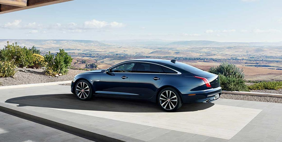 Jaguar-XJ-lado