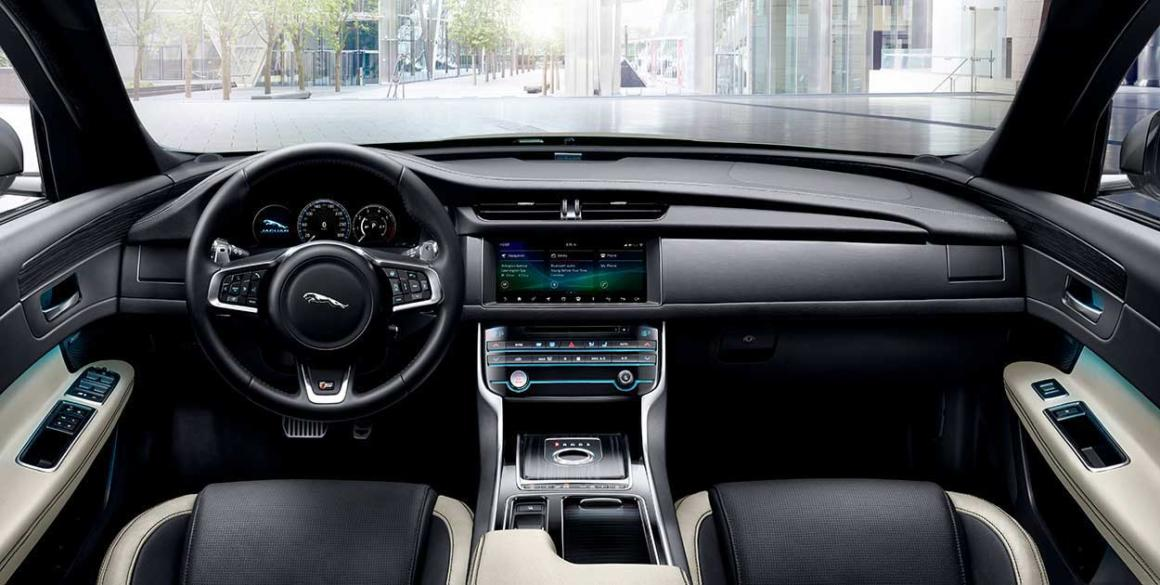 Jaguar-XF-interior2