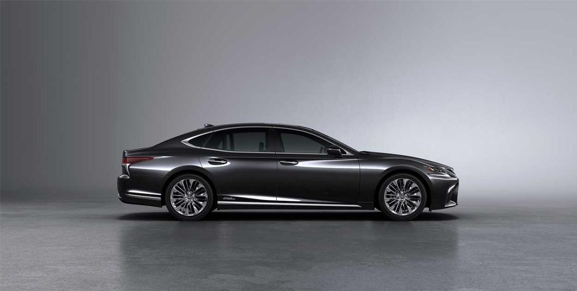Lexus-LS-500-h-lado