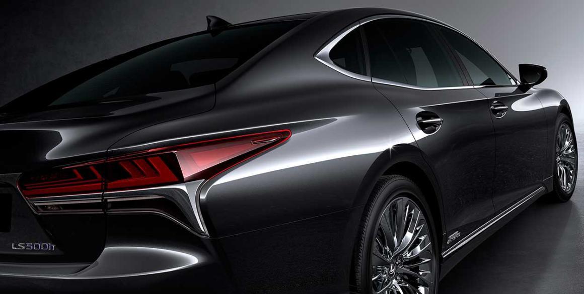 Lexus-LS-500-h-tras