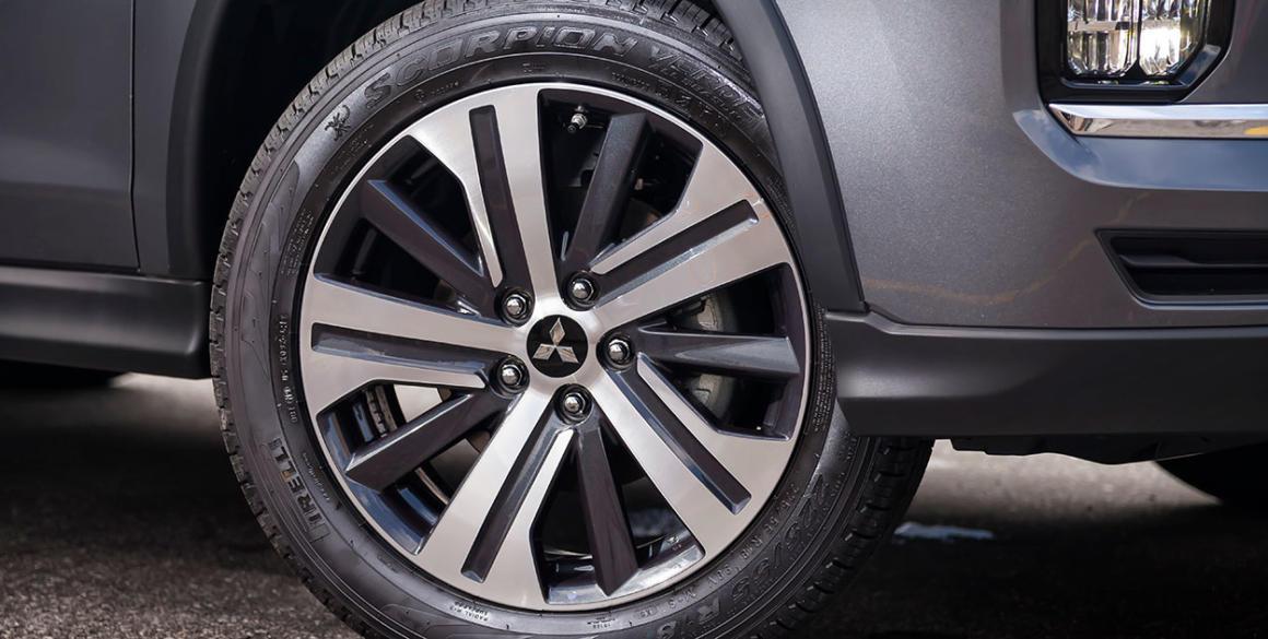 Mitsubishi-Outlander-Sport-detalhe-pneu