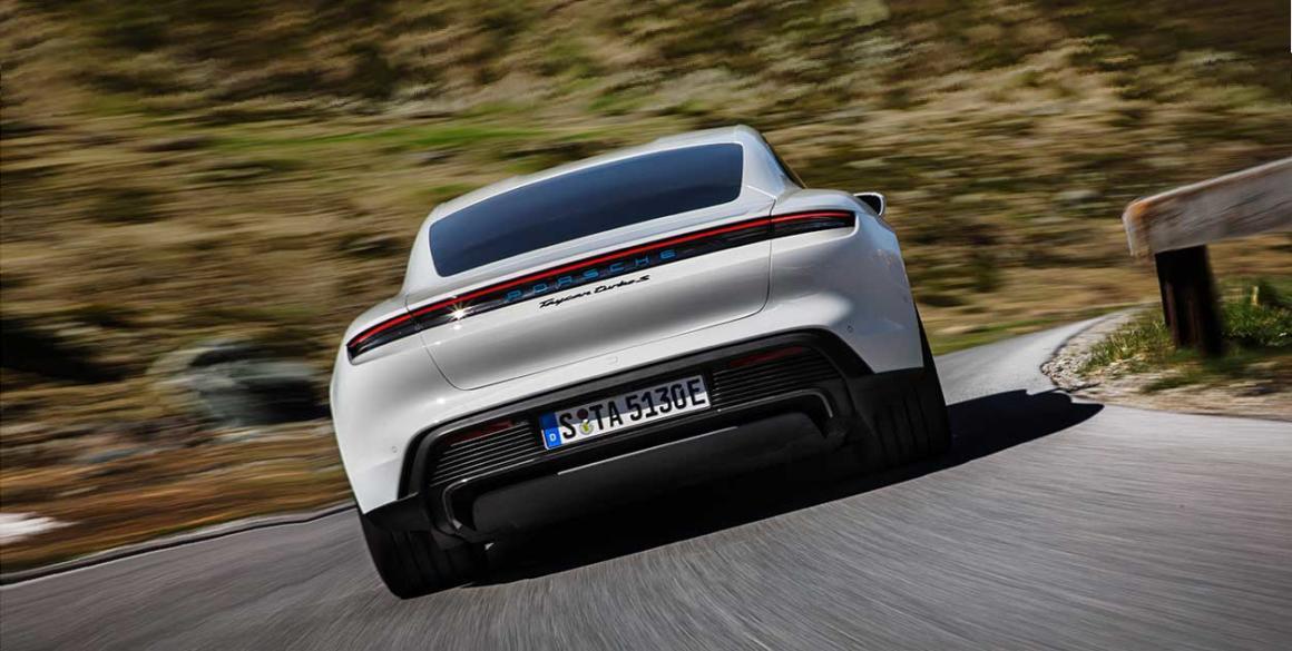 Porsche-Tycan-tras