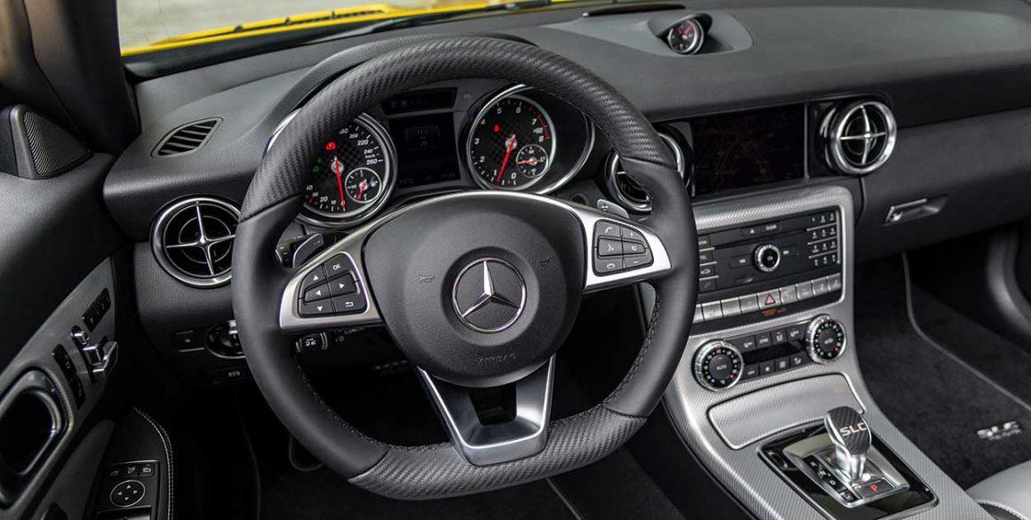 Mercedes SLC300-volante