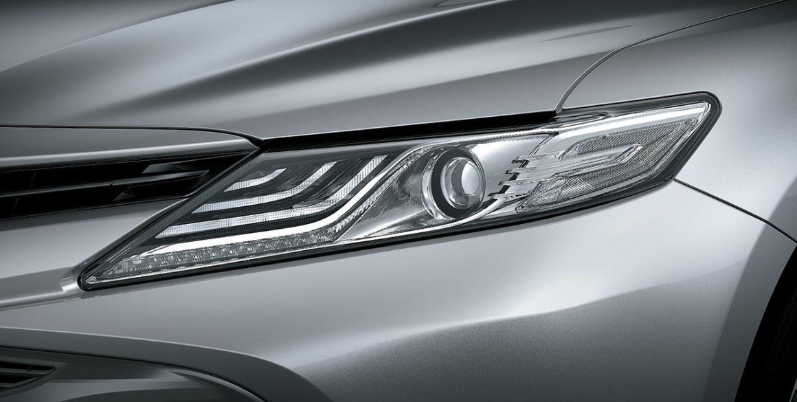 Toyota Camry-detalhe-frente