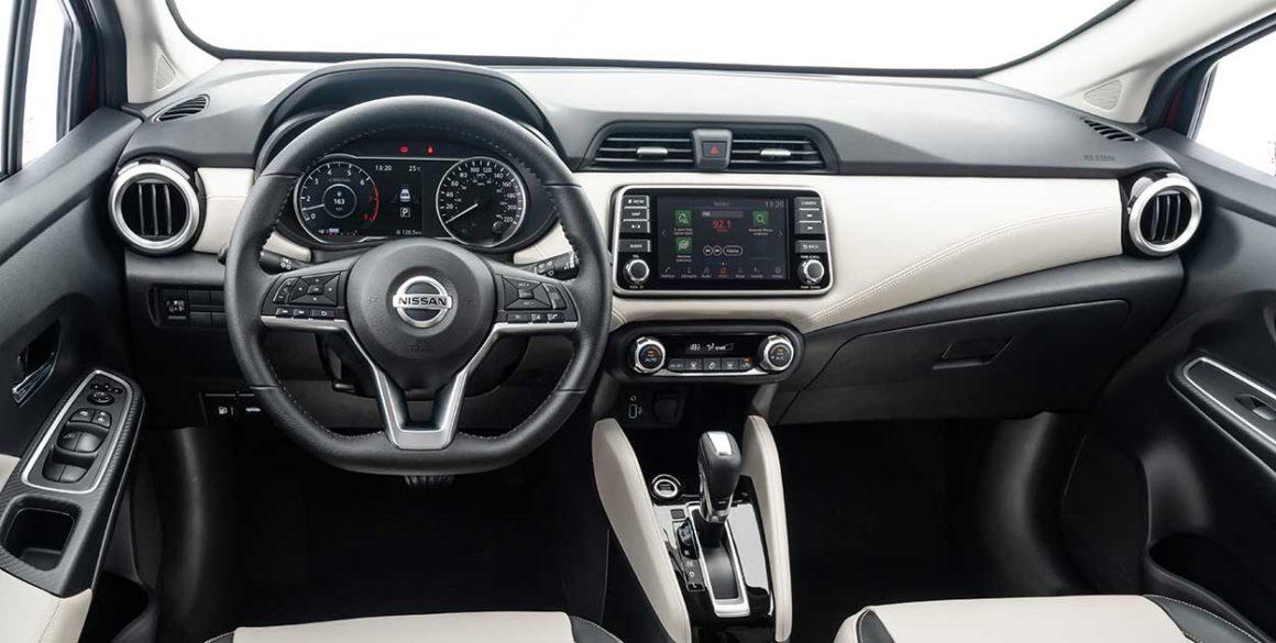 Nissan-Versa-2021---interior2