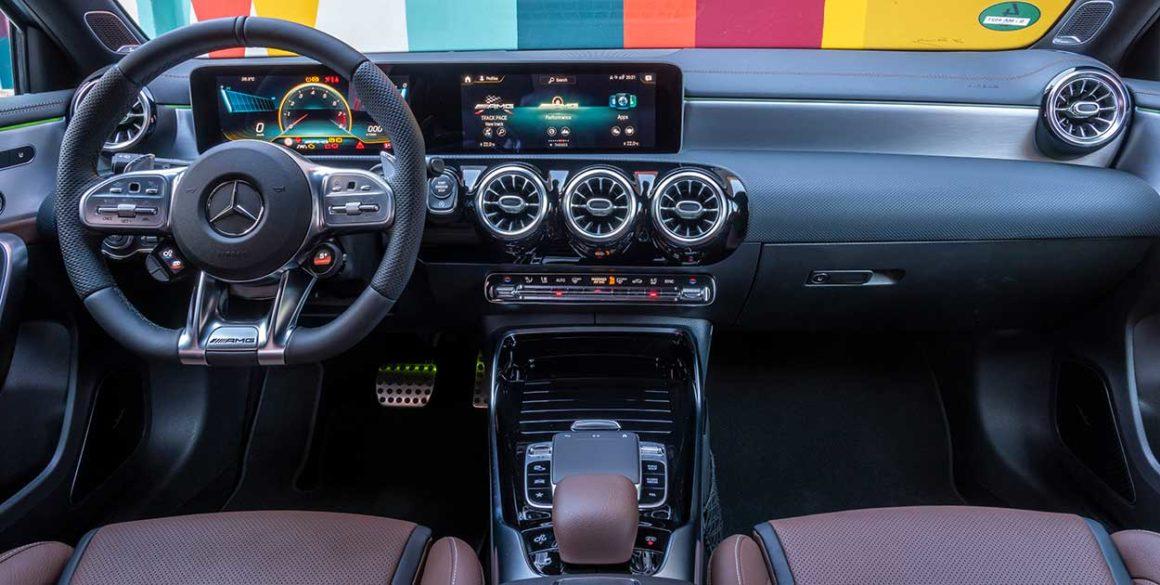 Mercedes A45-AMG-interior