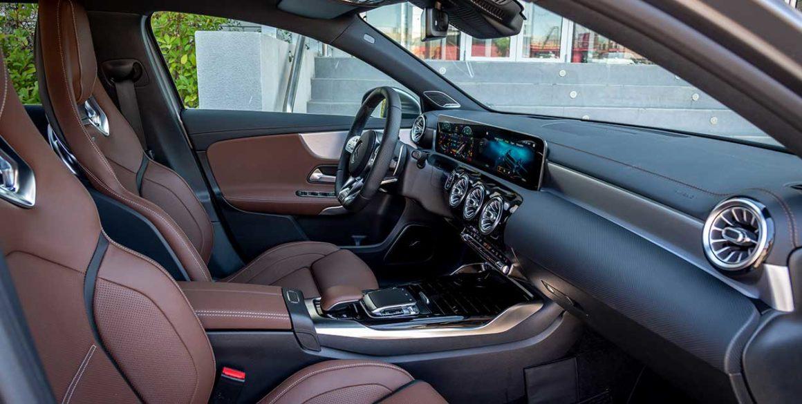 Mercedes A45-AMG-interior2