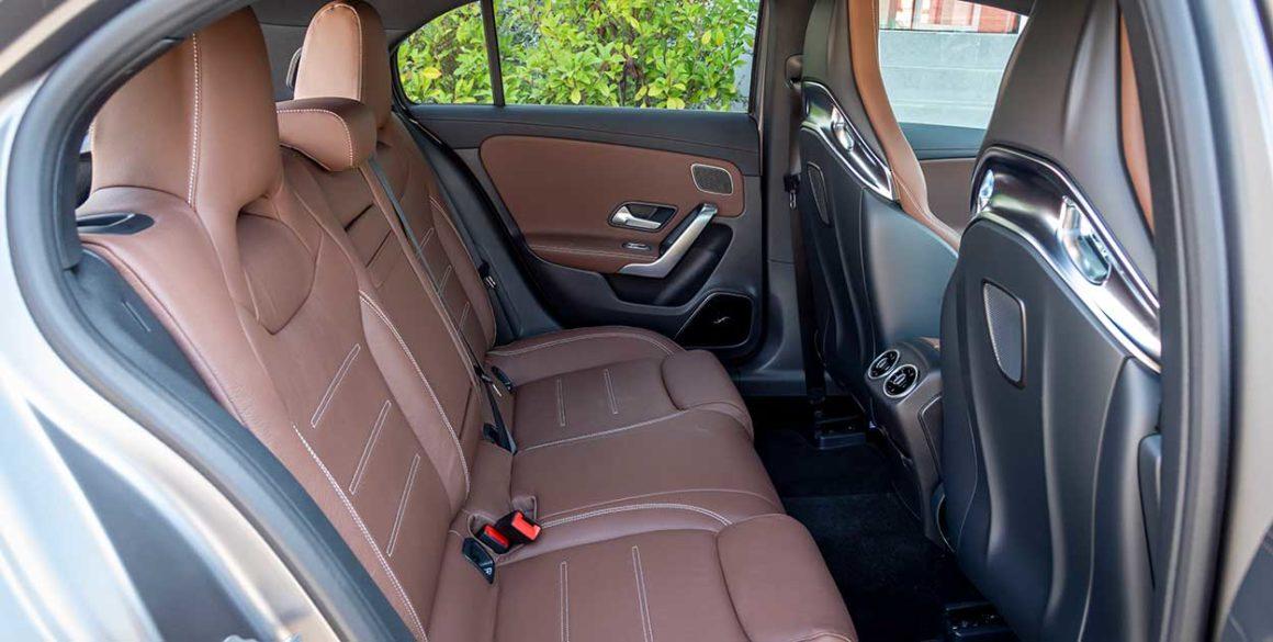 Mercedes A45-AMG-interior3