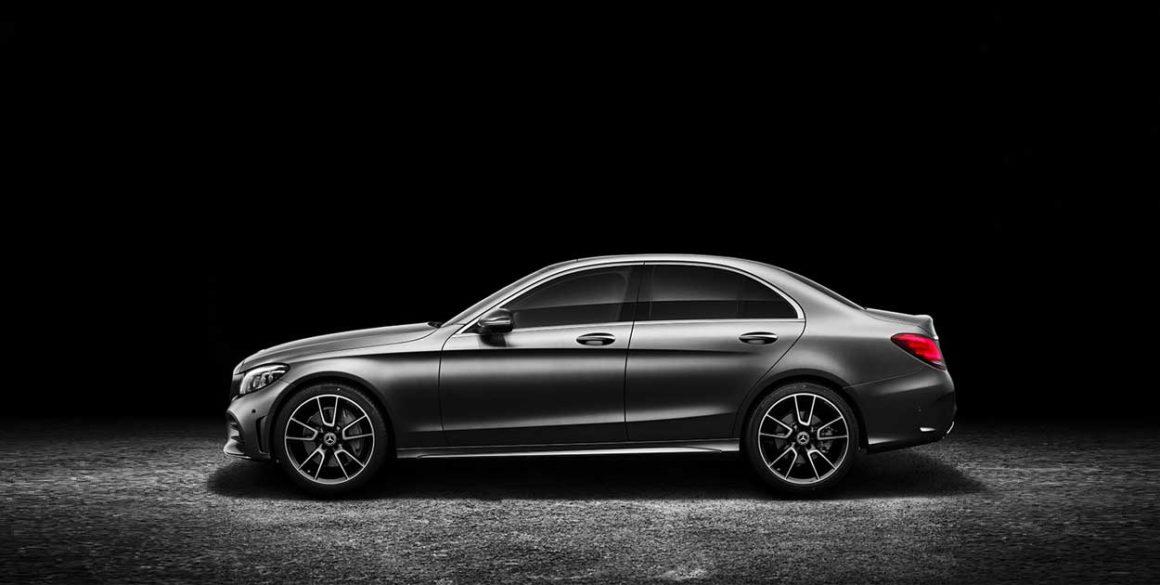 Mercedes-Benz C200-lado