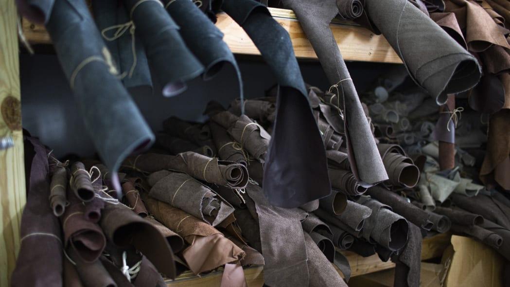 Ford encontra cerca de R$ 580 mil em couro não utilizado