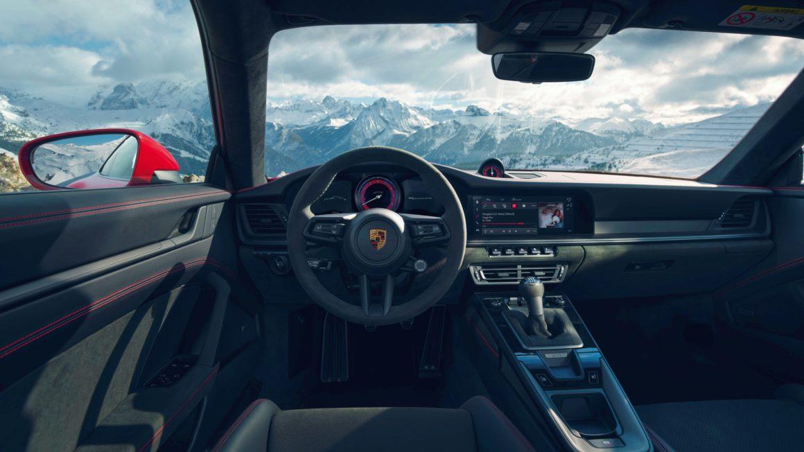 Porsche 911 Carrera GTS Coupe 2021