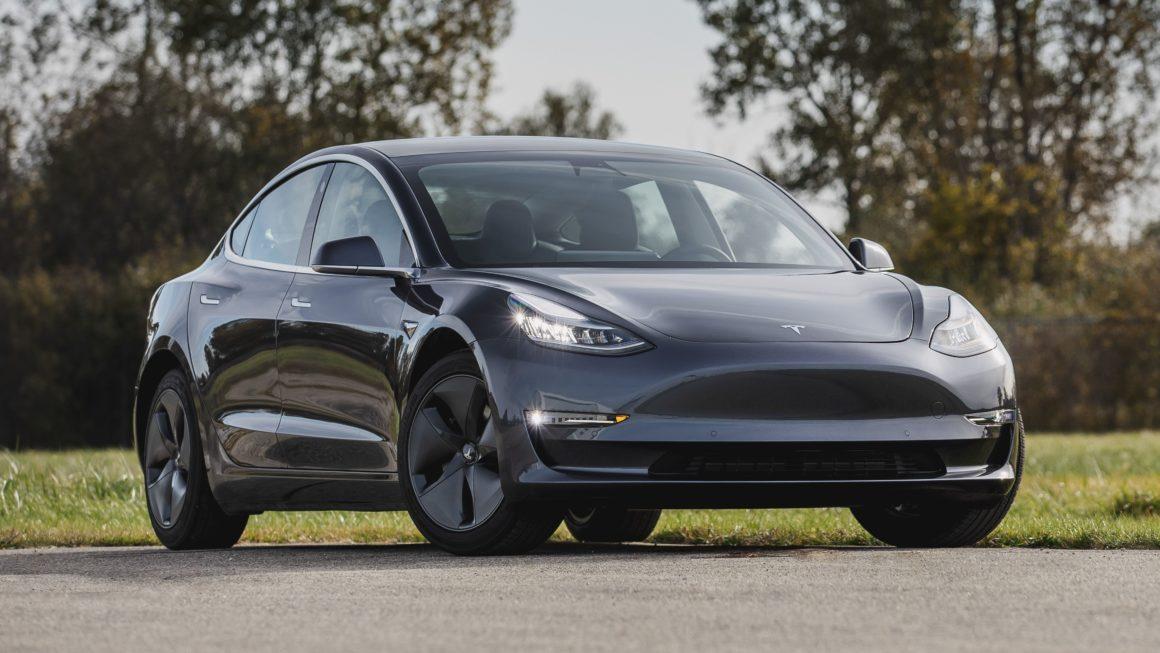 Tesla Model 3 assinatura