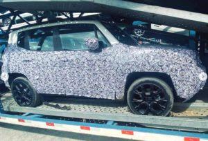 Jeep Renegade 2023 é flagrado com leve plástica visual e interior mais refinado