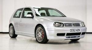 Volkswagen Golf GTI 2002 vai a leilão com apenas 13 km rodados