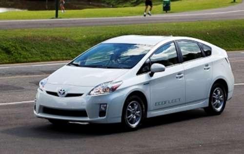 Toyota Prius pode ser alugado no País