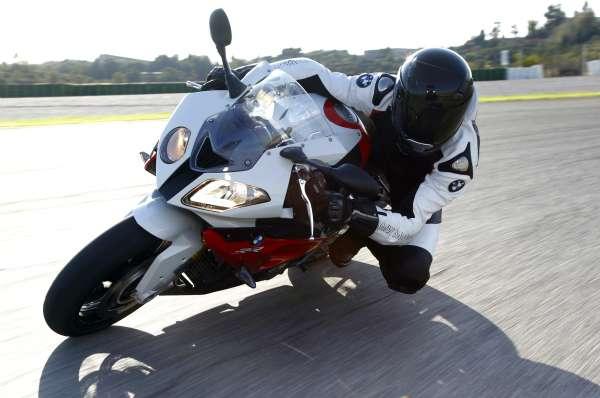 BMW lança a esportiva S 1000 RR