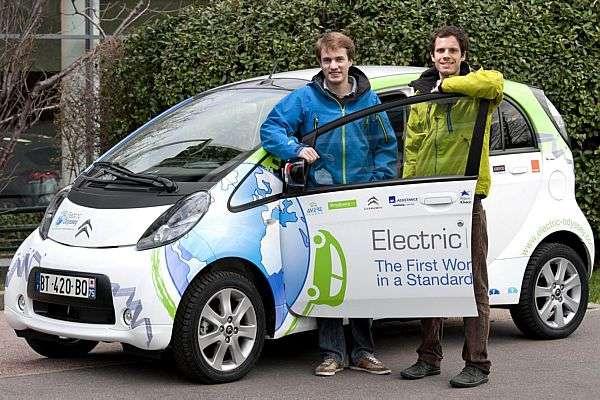 A primeira volta ao mundo de carro elétrico de série