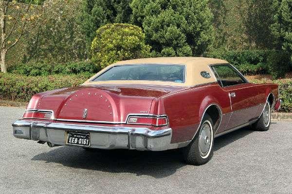 Carro do leitor: Lincoln Continental Mark IV de 1974