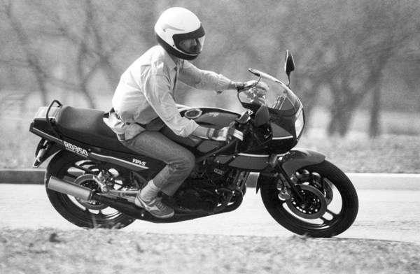 Yamaha RD 350: 40 anos do veneno da ?Viúva Negra?